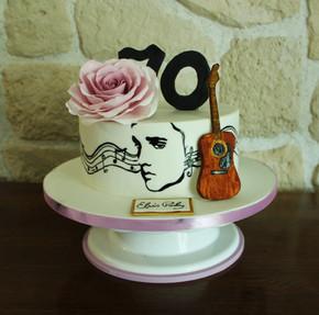 Gâteau décoré thème Elvis avec fleur en sucre
