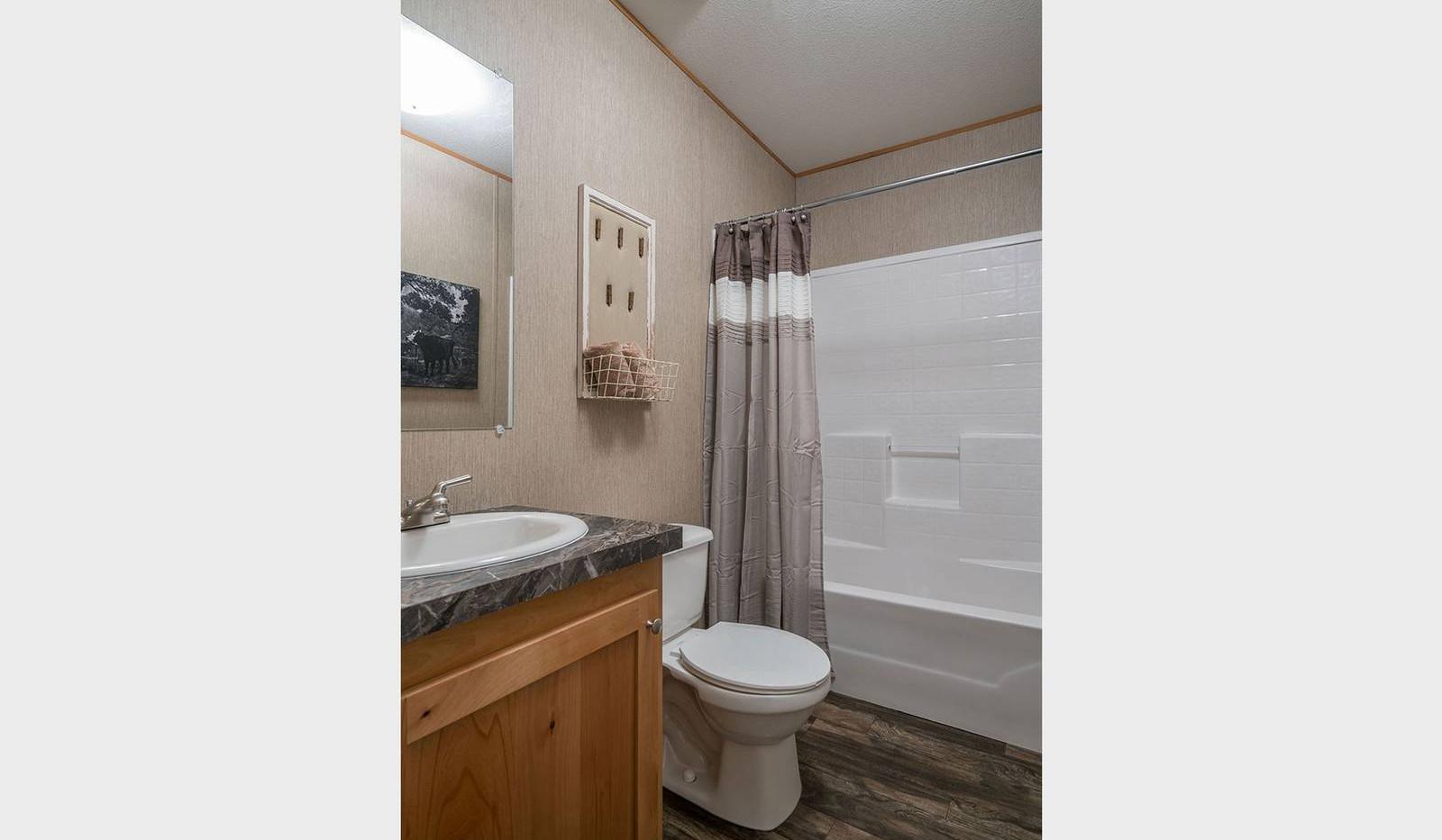 8-select-1676c-bathroom-1600x1067.jpg