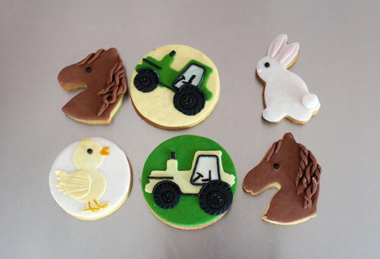 Biscuits décorés thème tracteur - ferme