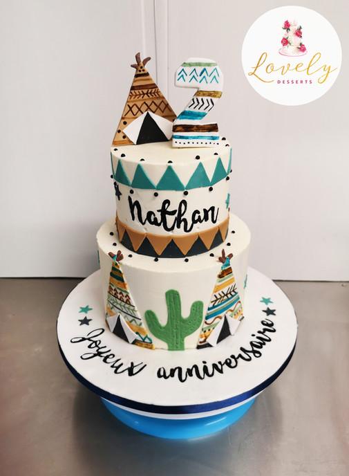 Gâteau d'anniversaire thème tipi, petits indiens et cactus