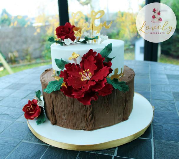 Wedding cake rustique rouge et or