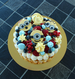 Number cake fruits rouges thème Minions