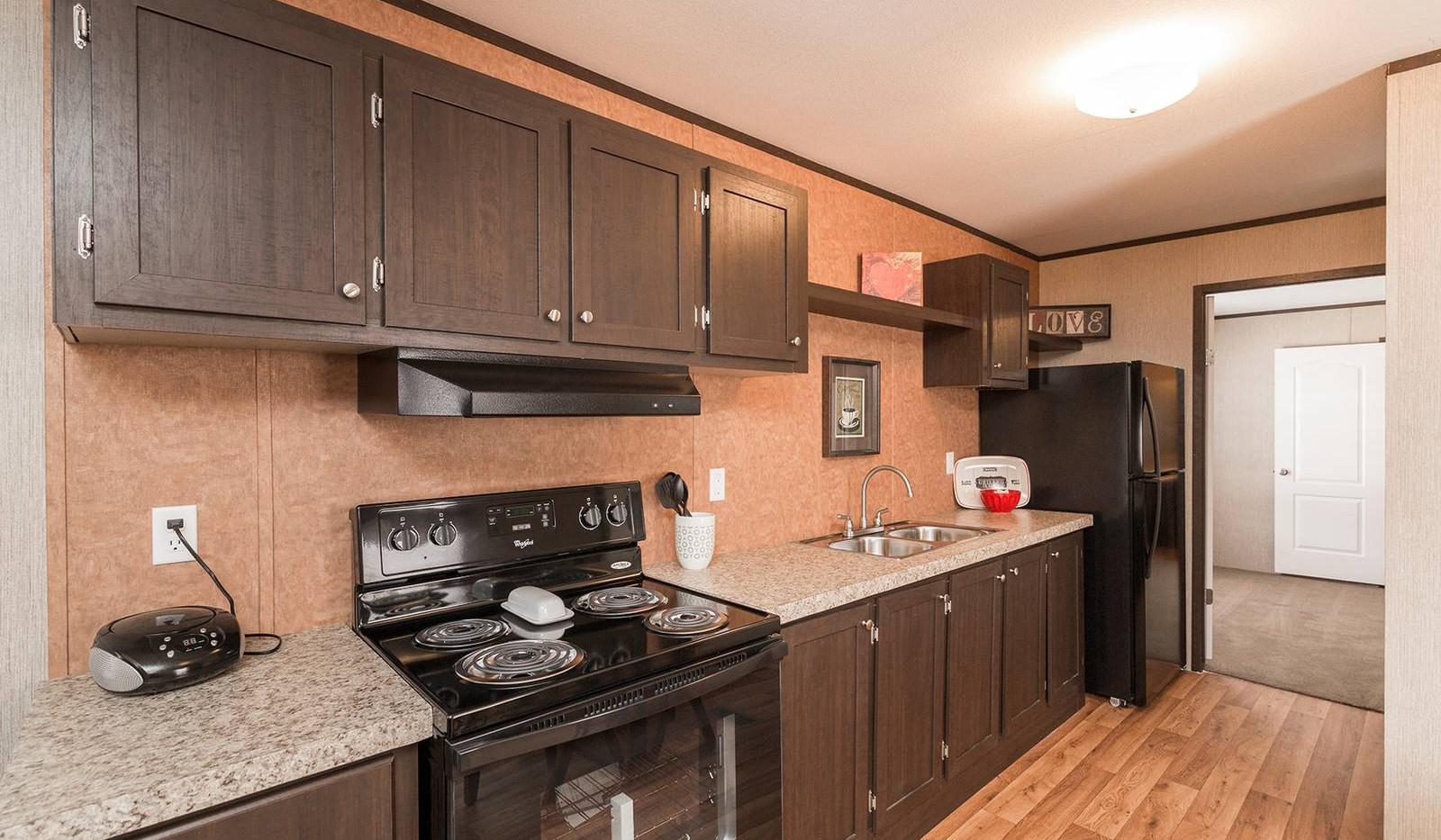 3-redman-1466a-kitchen-1-1600x1067.jpg