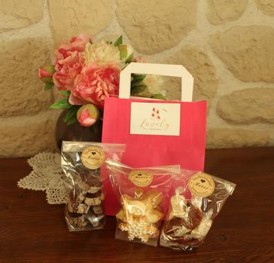 Cadeau pour employés noël d'entreprise: assortiment de douceurs
