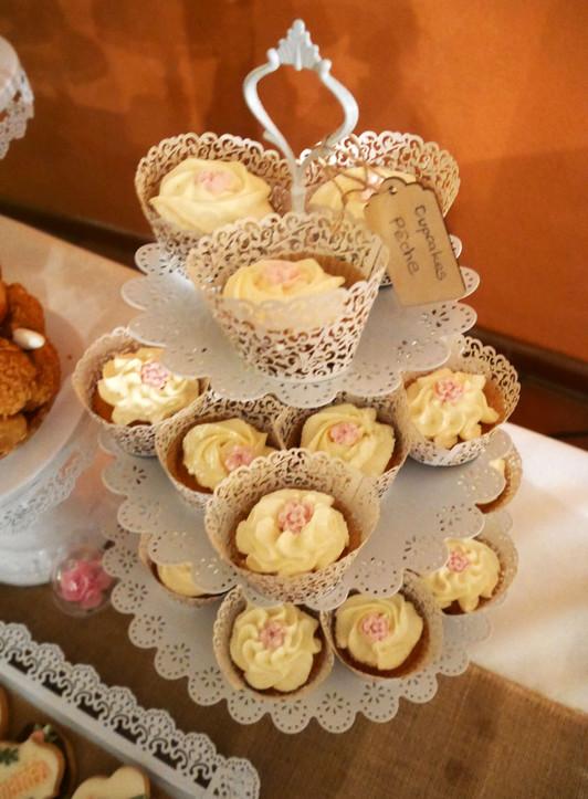 Cupcakes à la pêche mariage Lovely Dessert