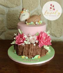 Gâteau pâte à sucre anniversaire enfant biche animaux des bois