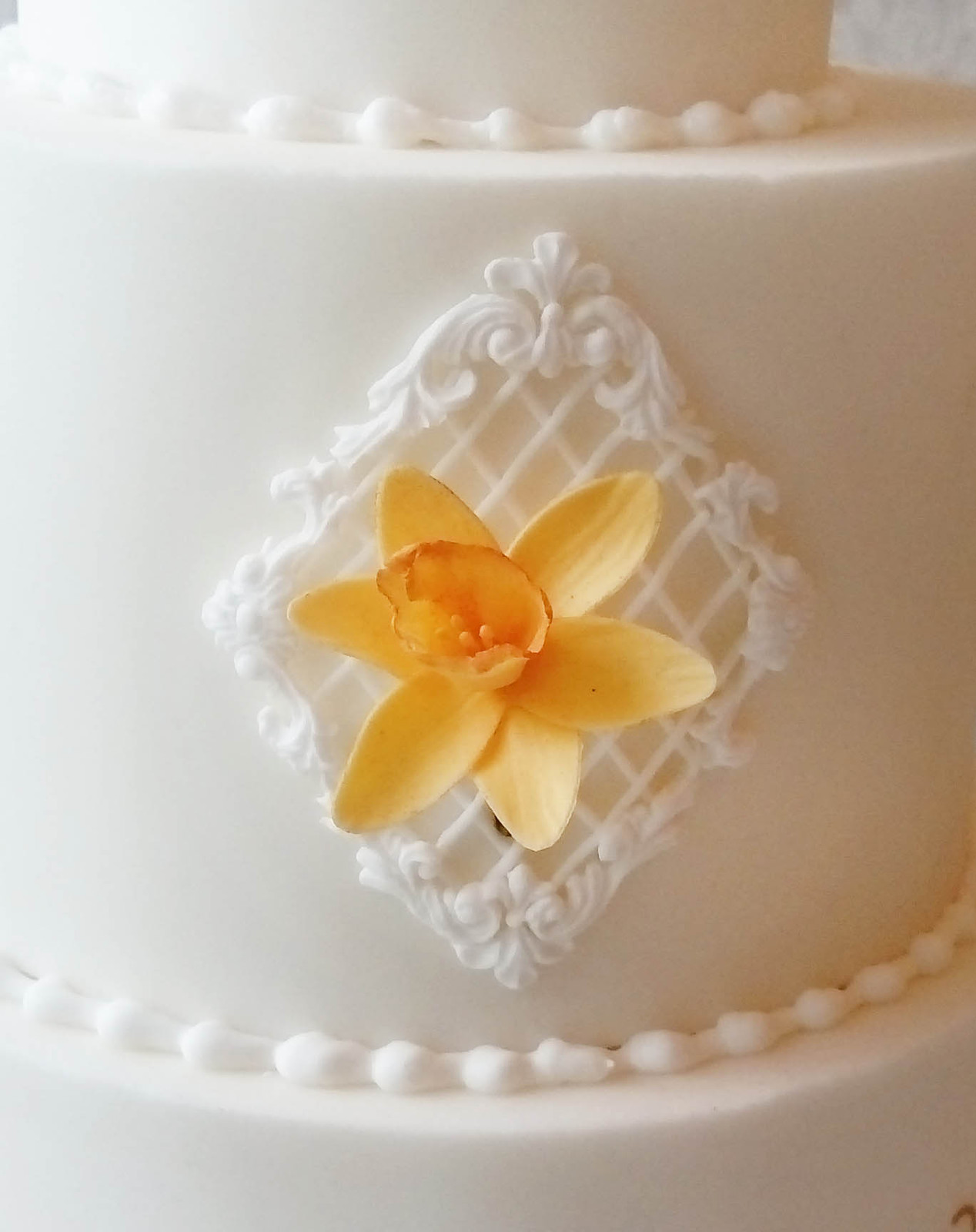 Wedding Cake Royal Icing Flowers