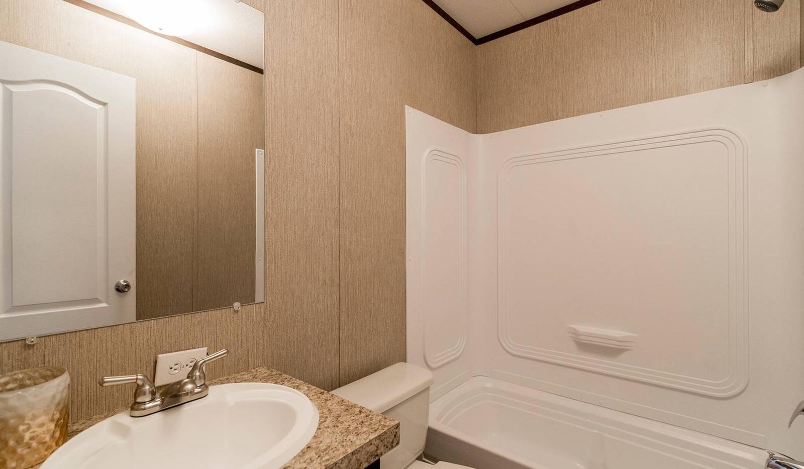 4-redman-1466a-bathroom-1600x1067.jpg