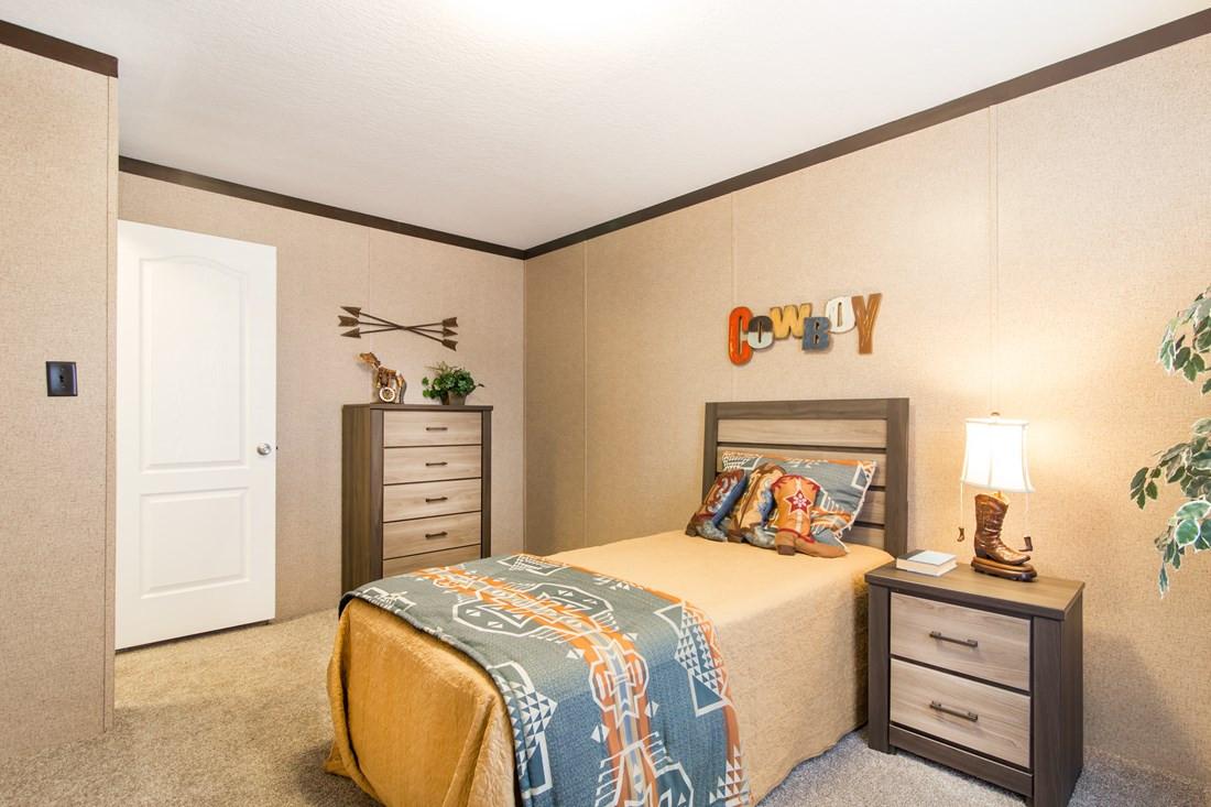 red-river-2-Guest-Bedroom-20171002-11022