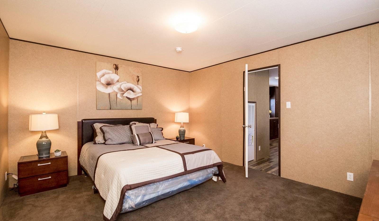 8-cs-1676d-master-bedroom-1600x1067.jpg