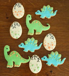 Biscuits décorés thème dinosaure