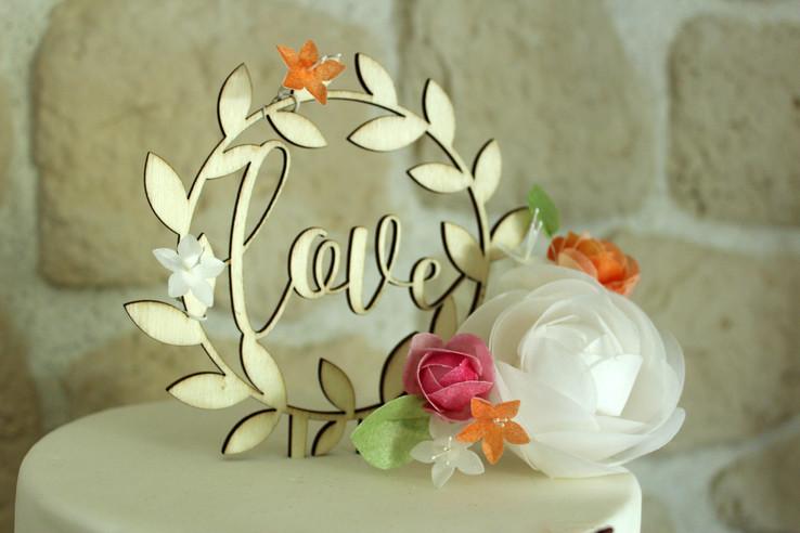Wedding cake rustique/champêtre & romantique avec fleurs