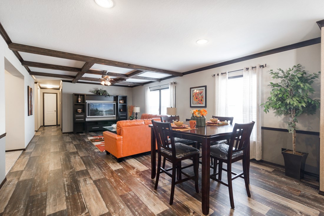 red-river-2-Dining-Area-20171002-1102263