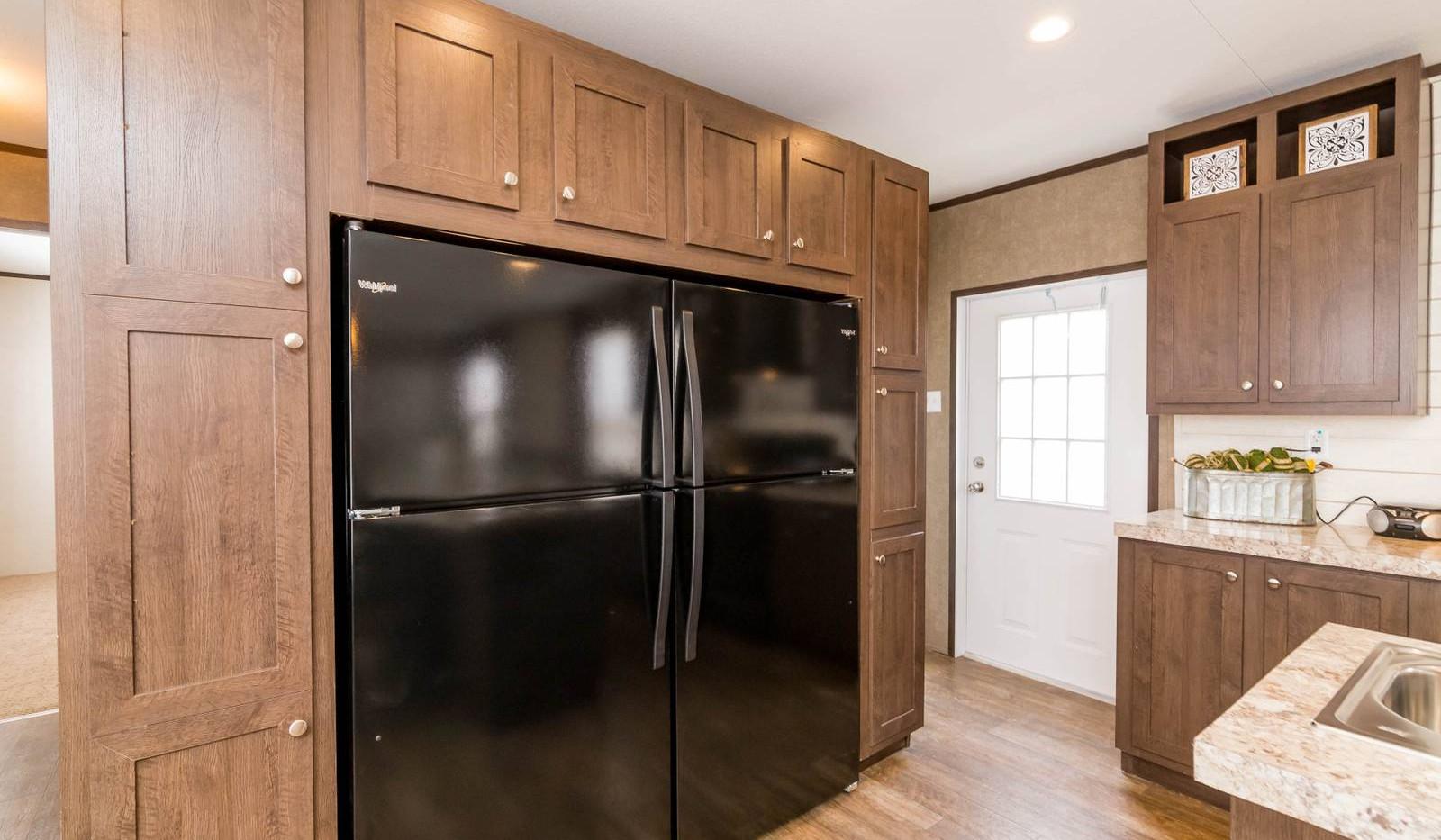 11-1676H kitchen 6-1600x1067.jpg