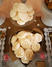 Lovely Desserts meringues biscuits artisanaux