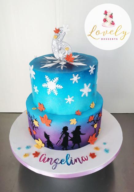 Gâteau d'anniversaire thème Reine des Neiges 2