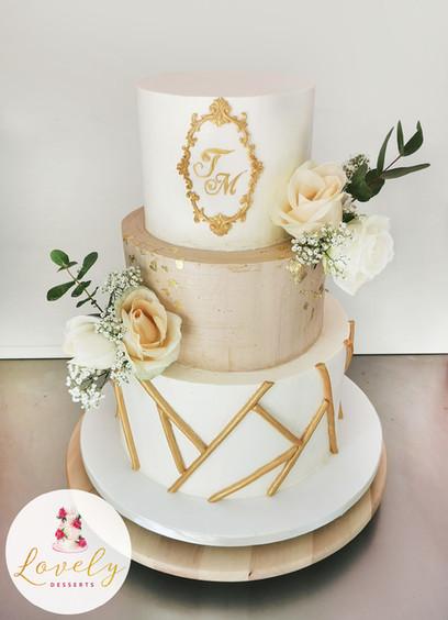 Wedding cake champagne beige or