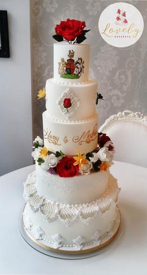 Wedding cake royal icing & flowers