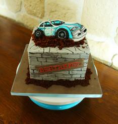 Gâteau décoré thème voiture pour homme