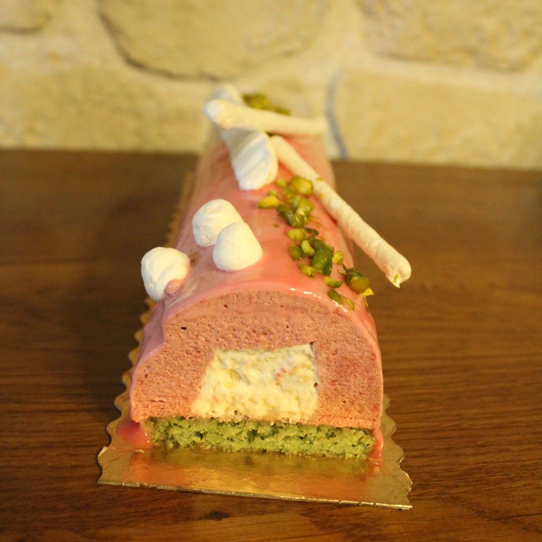 Bûche de Noël pistache framboise nougat
