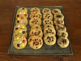 Cookies maison pépites de chocolat, noix, caramel, smarties, etc.