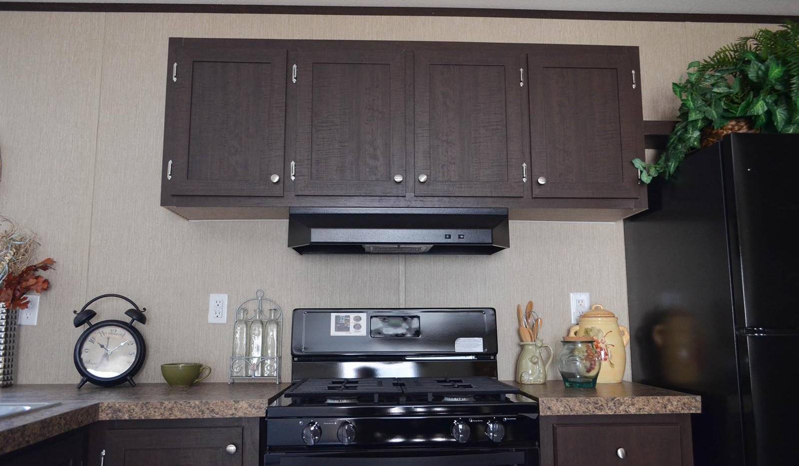 3-L10RM1668A kitchen 3-1600x1067.jpg