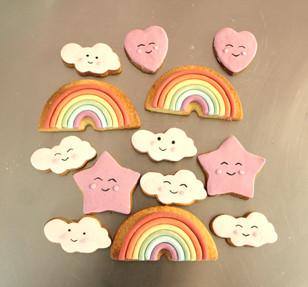 Biscuits arc-en-ciel et nuage kawai