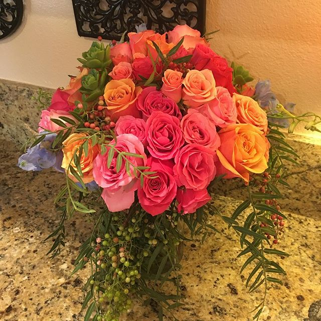 #distinctivedesignsbydenice #weddingflowers #makingyoureventsblossom #willamettevalleyweddings