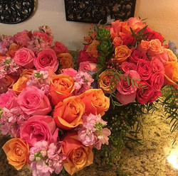 Pretty summer colors #distinctivedesignsbydenice #makingyoureventsblossom #willamettevalleyweddings