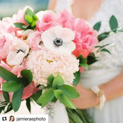 #Repost _jamieraephoto (_get_repost)_・・・_Beautiful blooms by _distinctivedesignsbydenice 😍❤️ Always