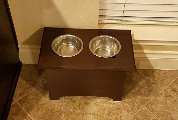 Standing Dog Dishes