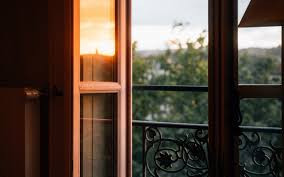 OUR LIVES ARE WINDOWS TO GOD'S GLORY