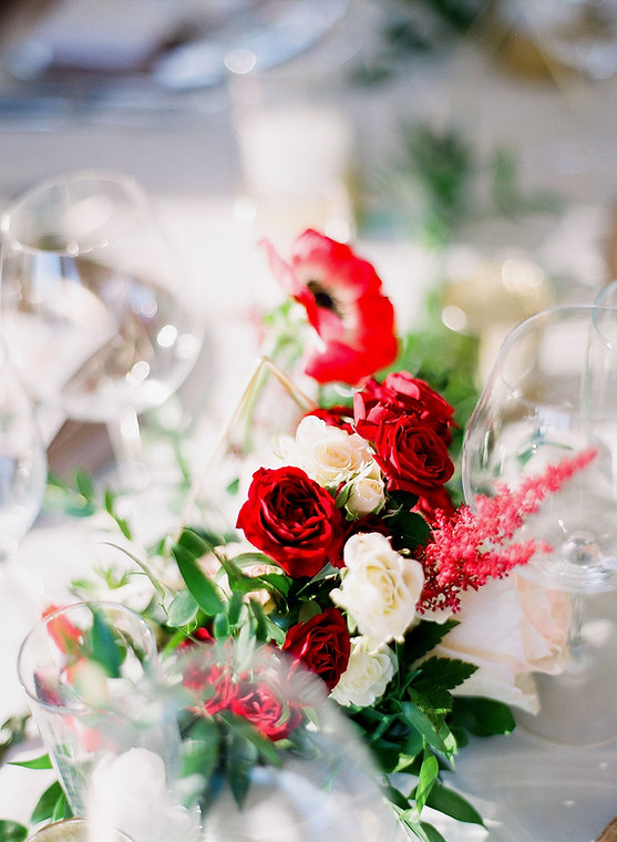 moody table floral.jpg