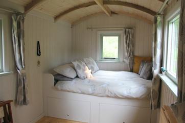 Howe of Torbeg Shepherds Hut Bed 2.jpg