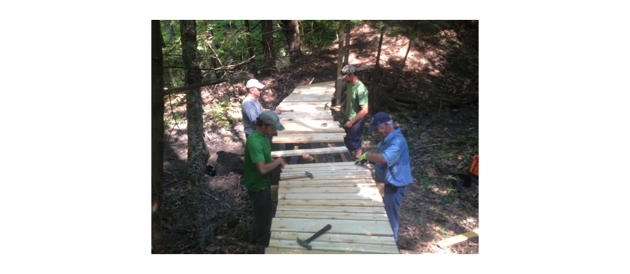 Volunteering on the Stroudwater Trail
