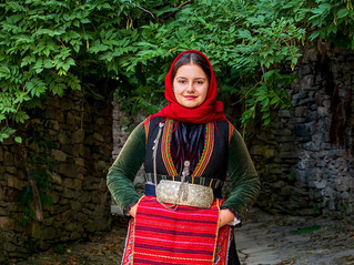 Преселническа носия на българи – преселници от селата Баница, Каракьой, Горно Броди, Серско