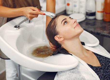 5 грешки, които трябва да се избягват при влажна коса