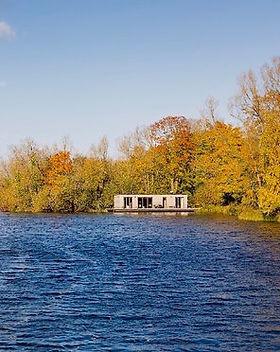 Lakeside retreat_Boathouse_Eco Floating Homes