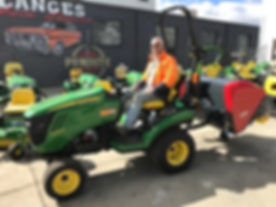 Green tractor.png