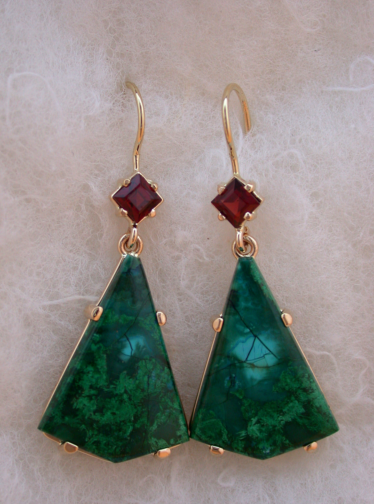 14Kt Malachite Garnet Drop Earrings