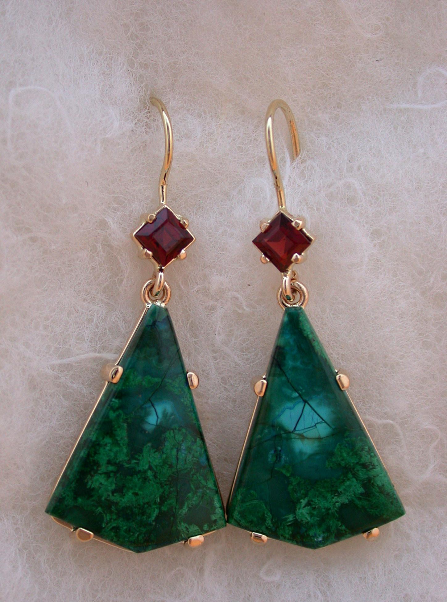 14Kt Malachite Garnet Drop Earrings