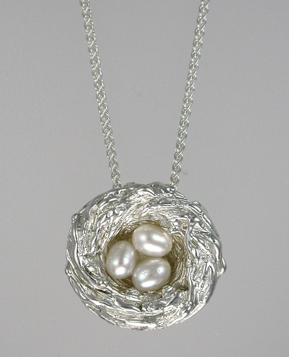 Bird's Nest Three Pearls Pendant