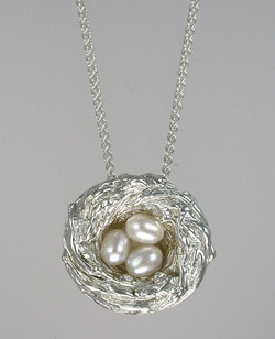 Bird's Nest Three Pearls Pendant