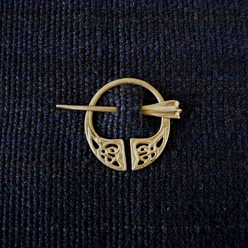 Irish Knot | Button Brooch
