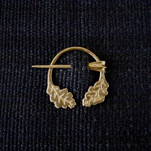 Oak Leaf | Button Brooch