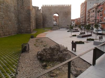 Muralla Plaza del Charcón