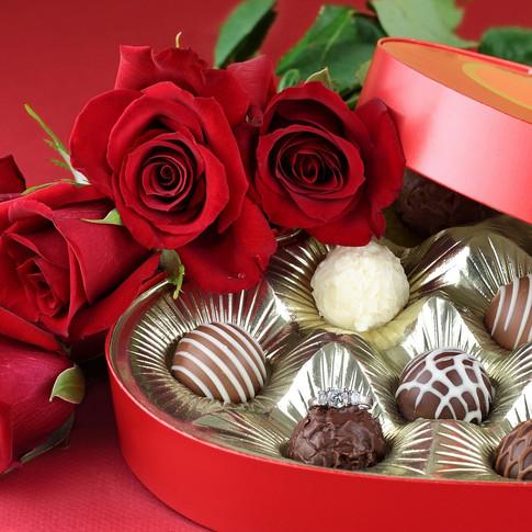 Chocolates-and-rose-flowers.jpg