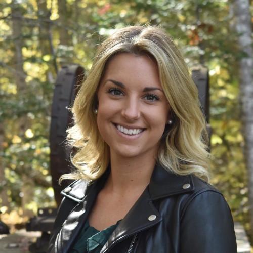 kelsey burdett headshot