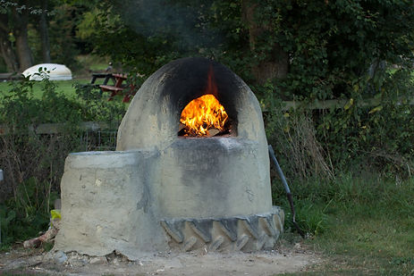 Swattesfield hand made cob Pizza Oven