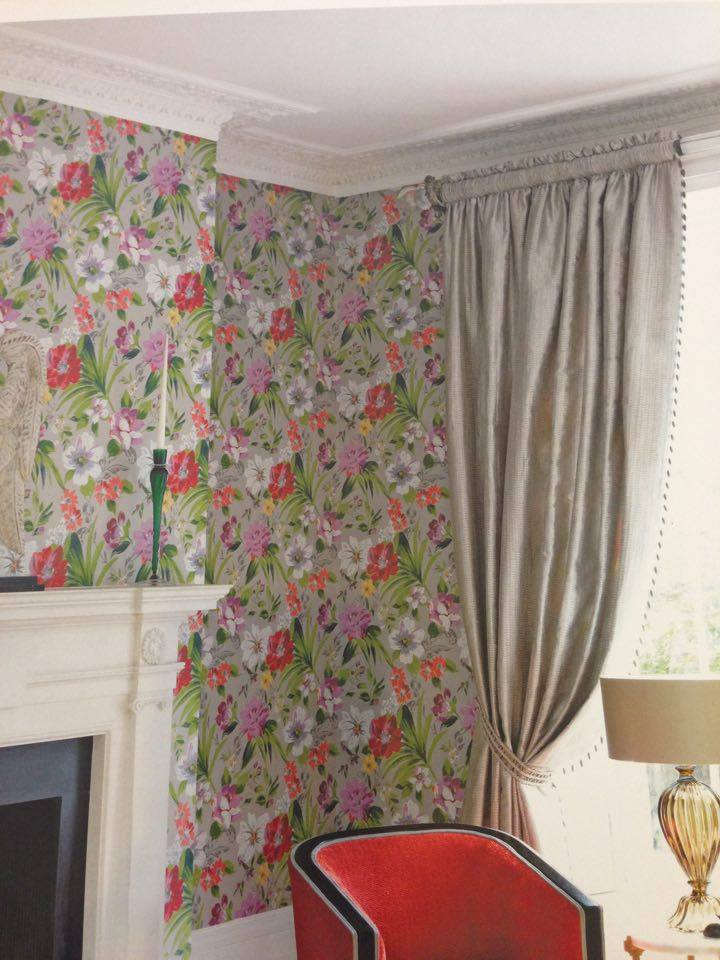 floral wallpaper and curtains